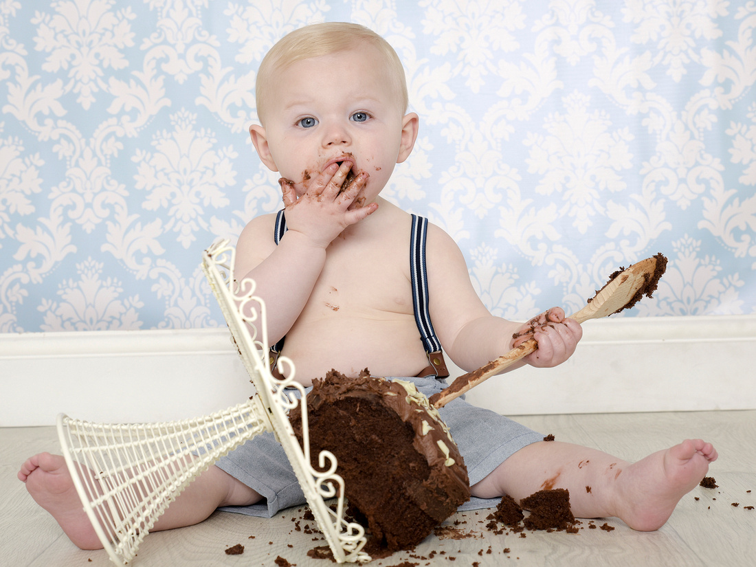 A First Birthday Cake Smash Is Very Popular Way To Celebrate Your Babys Year